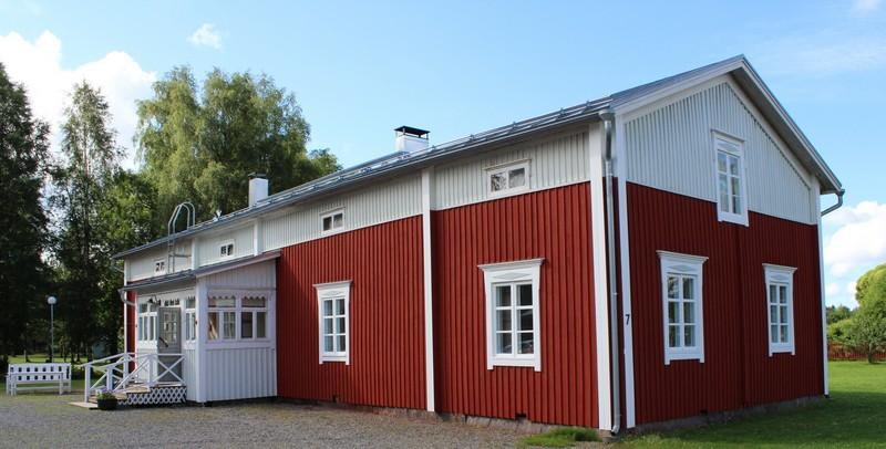 Punainen Prosin talo, valkoinen eteinen